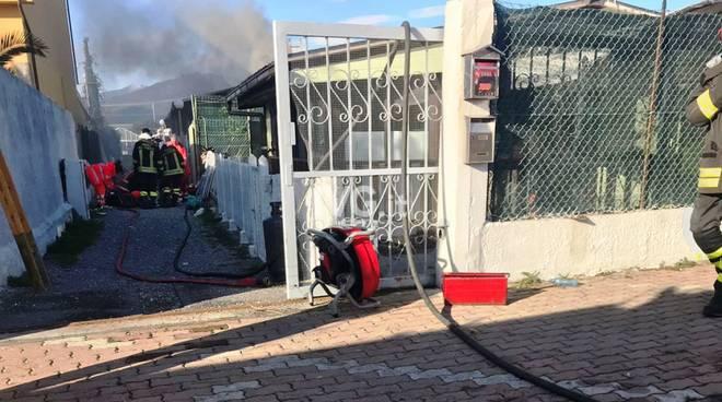 incendio magazzino
