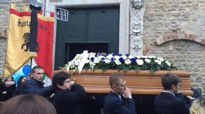L'ultimo saluto a Simone Canetto