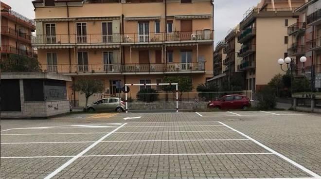 Borghetto piazza Fermi Parcheggio