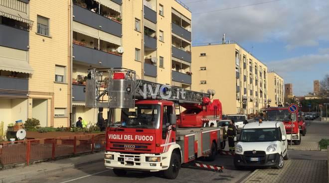 vvff vigili del fuoco giorno autoscala pompieri vadino