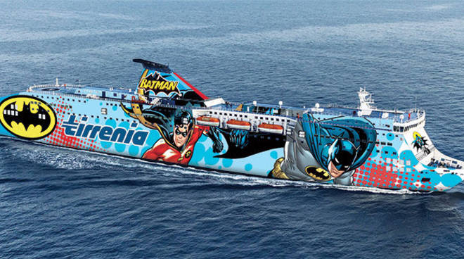 Porto, traghetto urta banchina: cancellata tratta per Porto Torres
