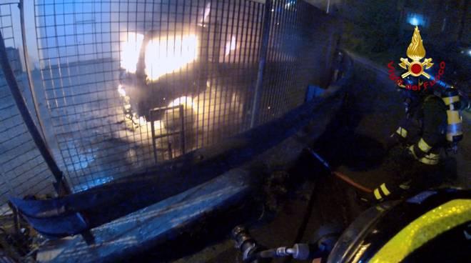 incendio notte edilnuovo