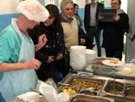 L'assessore Viale a pranzo coi pazienti del Santa Corona