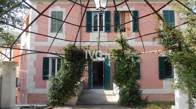 Festival Borgio Verezzi Conferenza al Museo D\'Arte Contemporanea Casa del Console di Calice Ligure