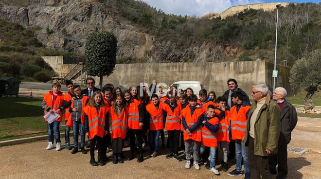 Gli alunni di Ceriale in visita al depuratore di Borghetto