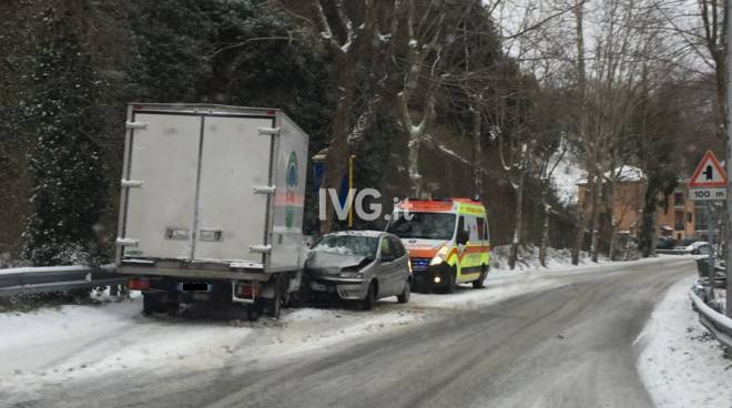 incidente neve cadibona maschio