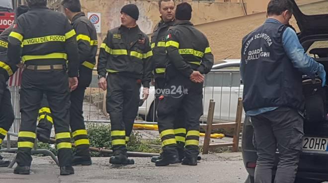 Genova, aperta inchiesta su morte anziano caduto in una voragine