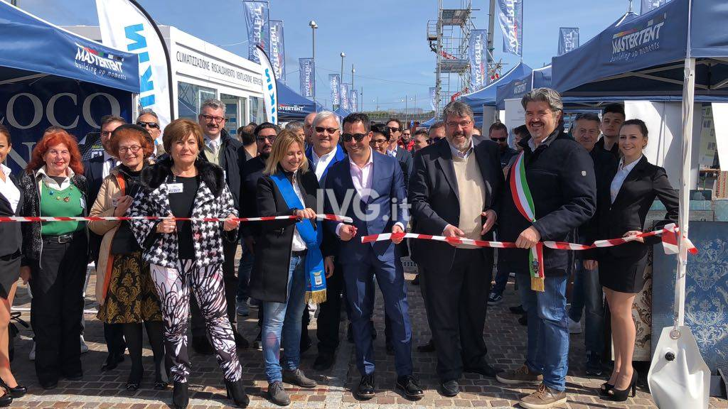 """A Marina di Loano la seconda edizione di """"Expo Futura"""""""
