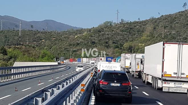 a10 coda incidente galleria