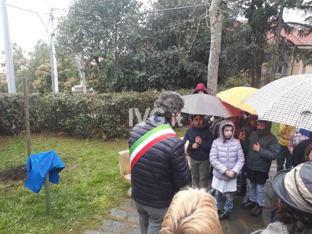 Giardino Pietra Corva : Giardino botanico pietra ligure: pietra ligure. hotel cani animali