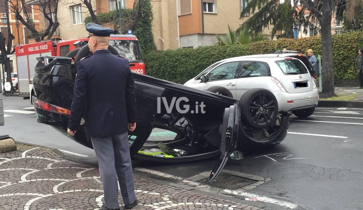 auto ribaltata pontelungo