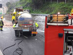 camion ribaltato vvff vigili fuoco a10