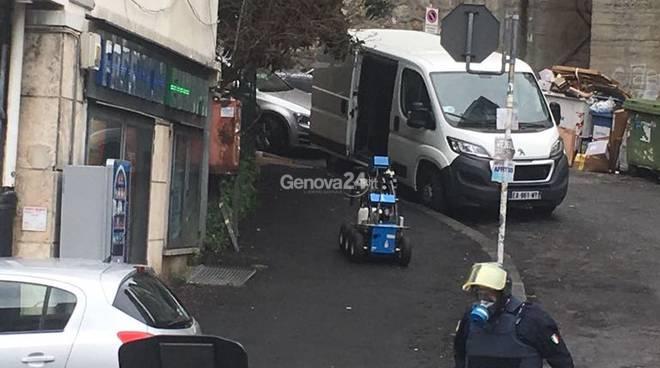 Falso allarme terrorismo. Forse. Chiuso e riaperto Corso Europa a Genova