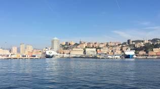 genova porto traghetti sole sereno