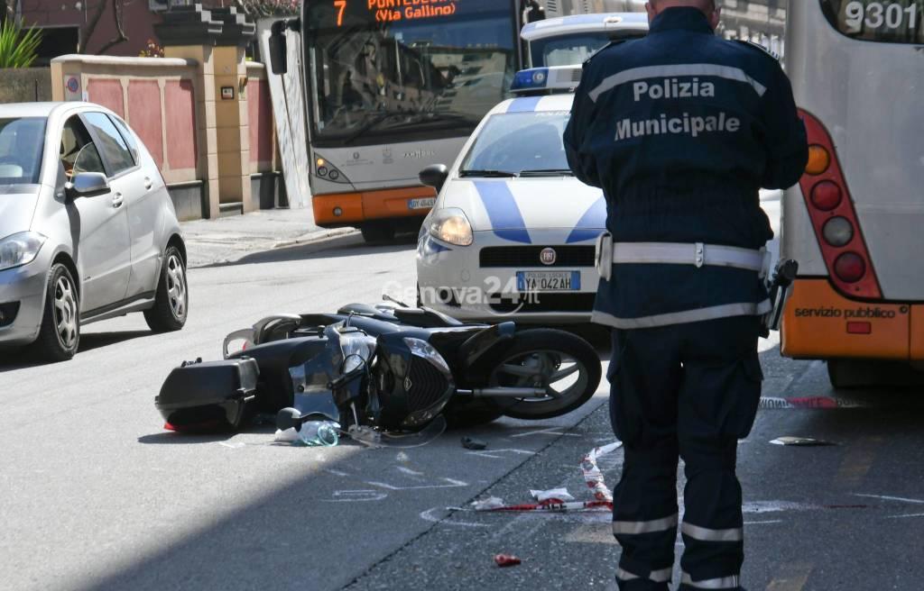 Grave Incidente Stradale In Via Walter Fillak a Genova