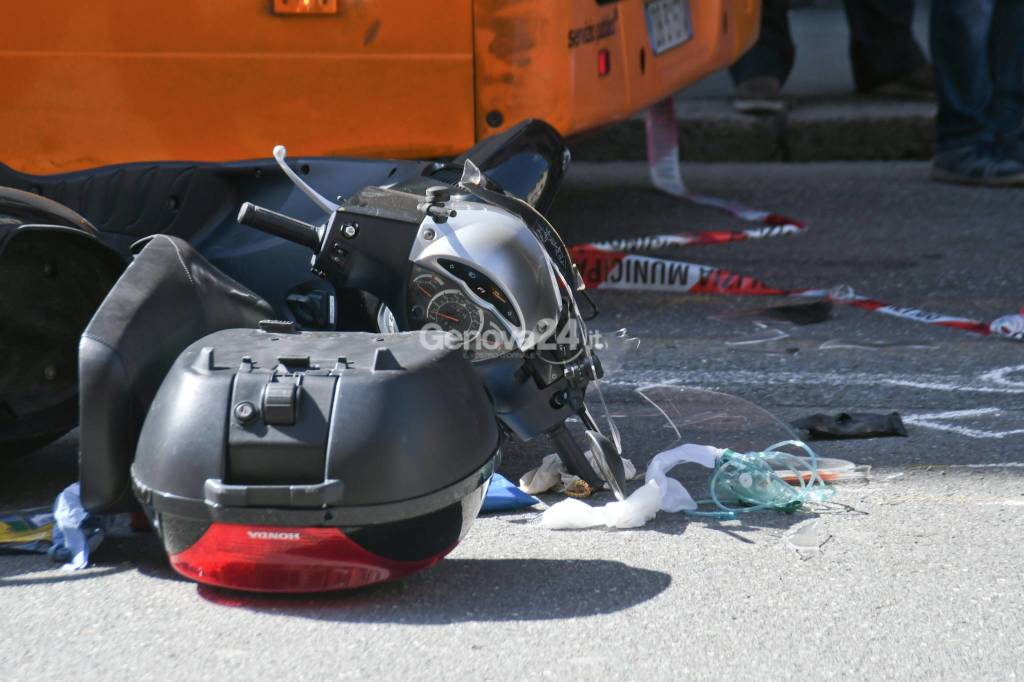 Grave Incidente Stradale In Via Walter Fillak a Genova