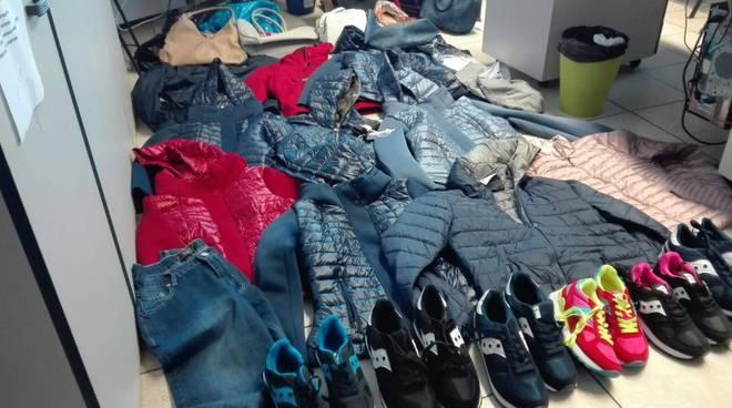 Merce contraffatta sequestrata Pietra Ligure
