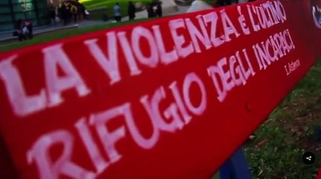 Panchina Rossa violenza contro le donne