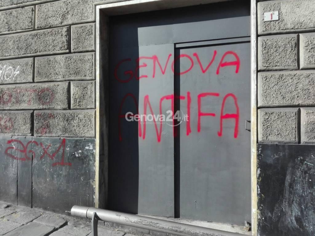 scritte antifa sede lealtà e azione