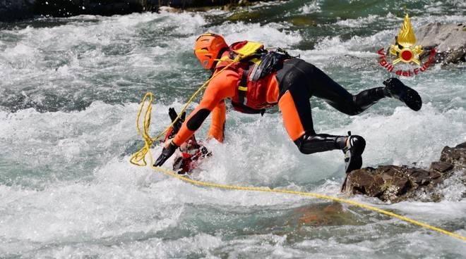 Vigili del Fuoco, addestramento soccorritori acquatici