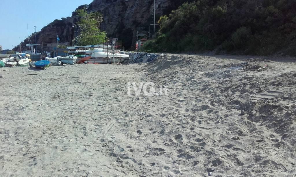 Alassio, l'estate è alle porte e torna fruibile la spiaggia di Sant'Anna