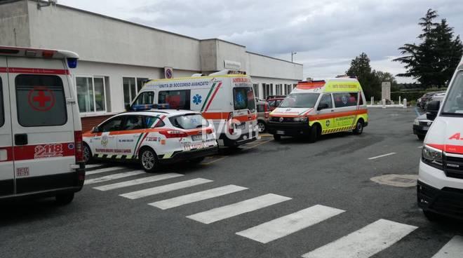 Caos ambulanze al San Paolo