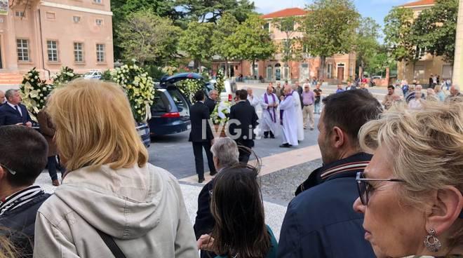 Funerale Enzo Cappelluto