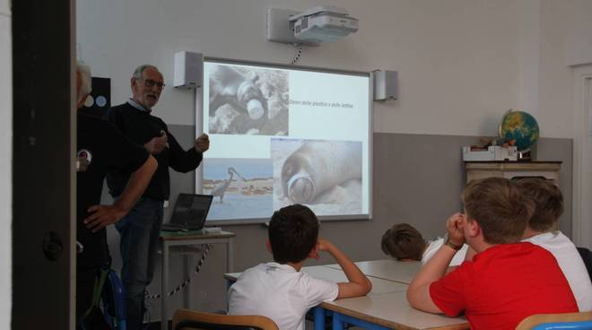 I bambini a lezione da Assonautica Savona