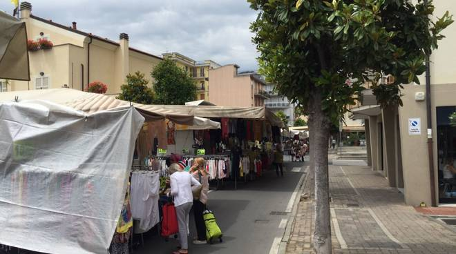 mercato albenga
