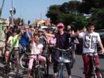 pedalando per la scuola