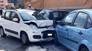 Scontro frontale tra auto sull'Aurelia a Finale
