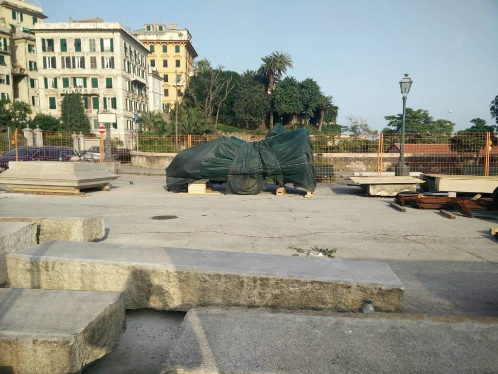 statua duca di galliera