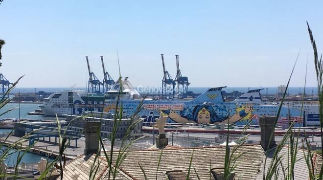 traghetti porto genova