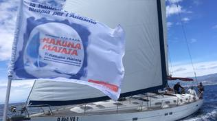 Barca a vela associazione Hakuna Matata