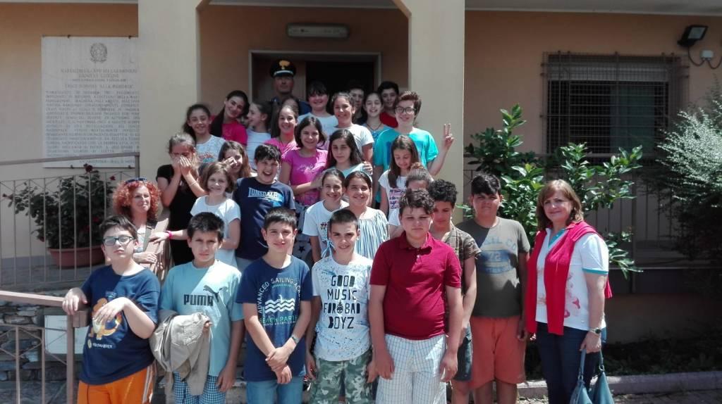 Bambini medie Ort5overo carabinieri Villanova