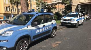 Controlli delle forze dell'ordine in stazione ad Alassio