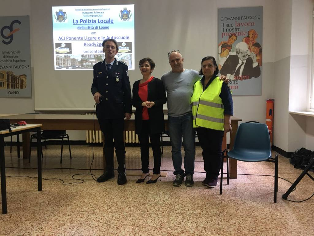 Lezione di educazione stradale e guida sicura al Falcone di Loano