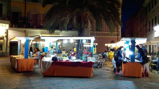 Mercatino Artigianato piazza Massena Loano