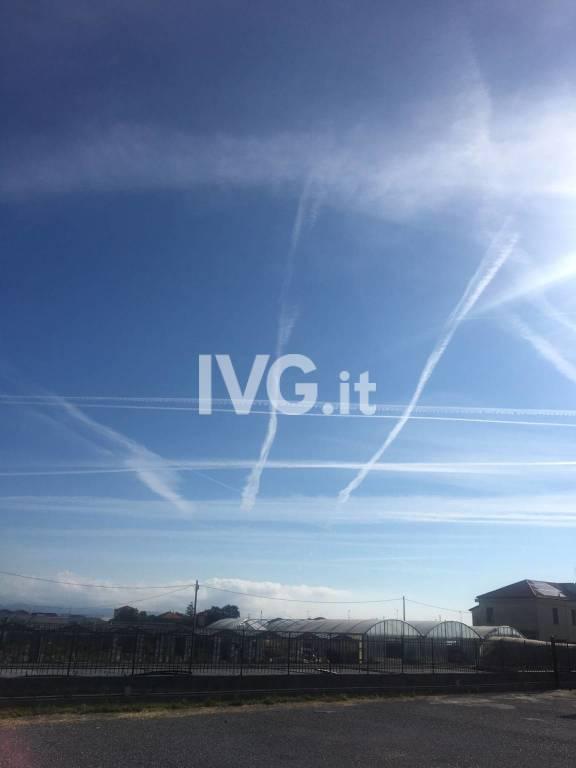 """Presunte """"scie chimiche"""" nei cieli di Albenga?"""