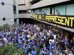 Protesta dei tifosi della Sampdoria contro il presidente Ferrero