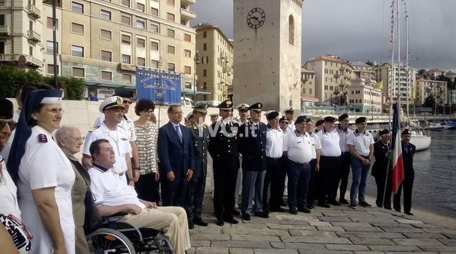 Savona, in scena l'Alzabandiera per celebrare il comandante Giuseppe Aonzo e l'Impresa di Premuda