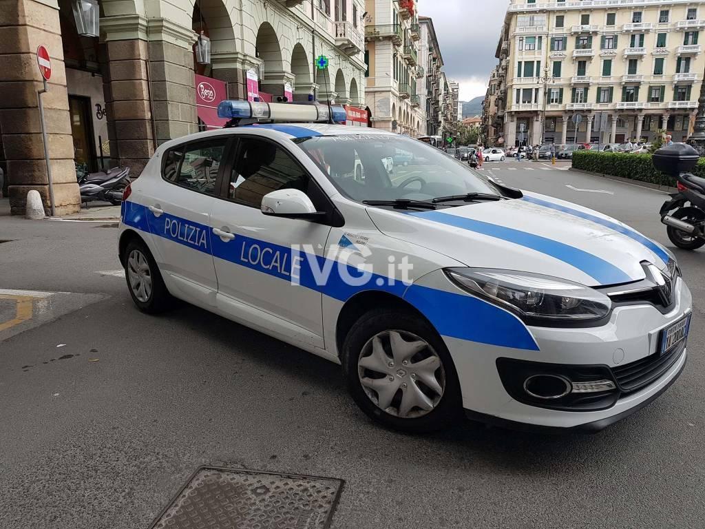 polizia locale municipale savona piazza mameli centro