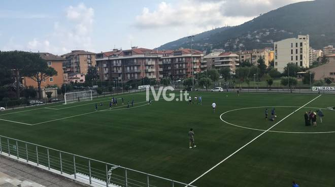 Andora, inaugurato il nuovo campo da calcio in erba sintetica