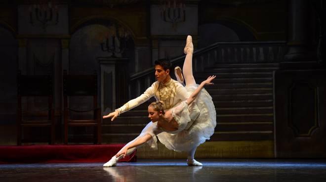 """Balletto di Siena spettacolo """"Live Art"""""""