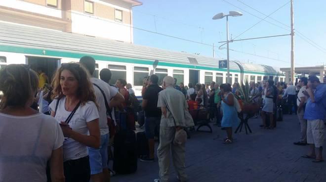 caos treni loano