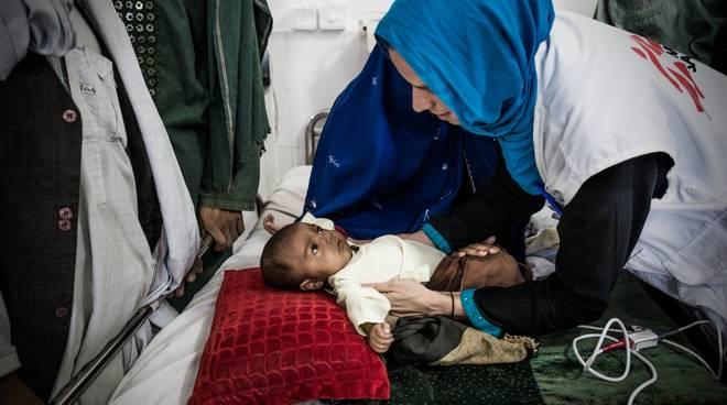 In Afghanistan con Silvia Dallatomasina:  Incontro con il medico genovese, capomissione di Medici Senza Frontiere, in un paese ancora in conflitto