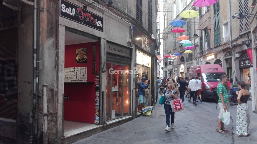 commercio centro storico negozi