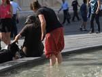Genova  bollente : turisti e genovesi cercano refrigerio