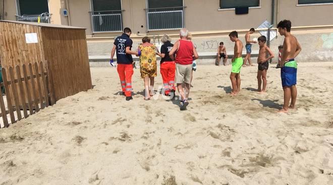 Incidente in spiaggia a Pietra Ligure