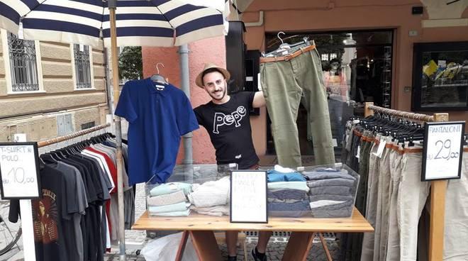 Shopping low cost Pietra Ligure